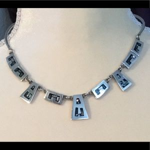 Jewelry - Vintage sterling silver Mexican necklace